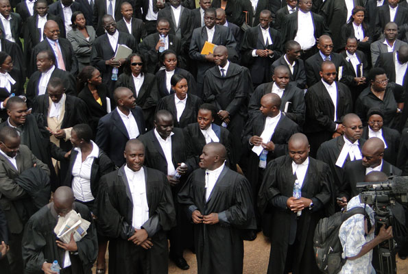 Black And White Lawyers In Court Pictures to Pin on ...